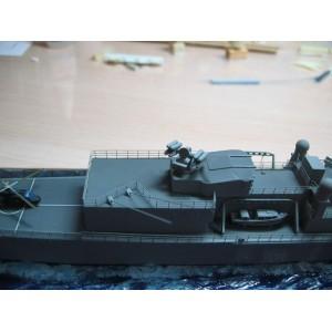 1/400 Crotale naval missile set
